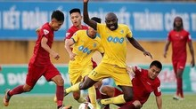 Tiến Dũng bắt chính, FLC Thanh Hoá thắng trận thứ 4 liên tiếp