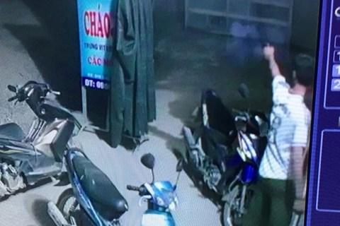 Trưởng Công an xã nổ súng ở quán bi-a