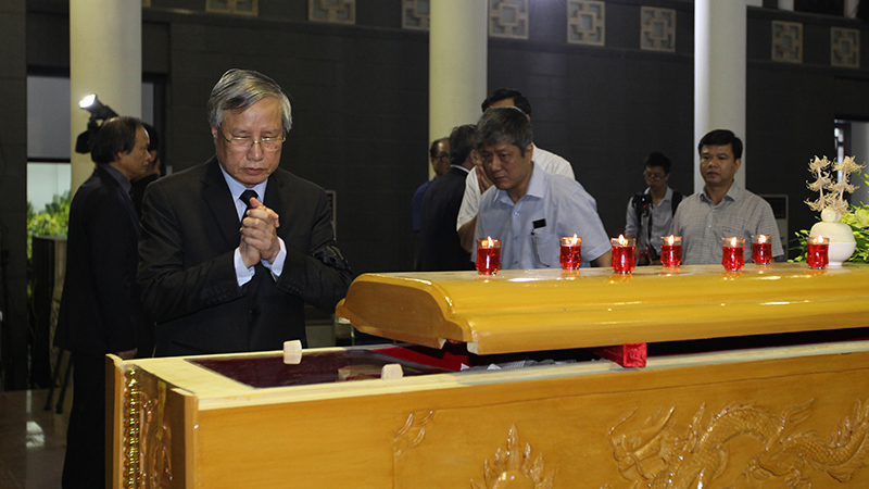 Ngàn người thương tiếc tiễn đưa giáo sư Phan Huy Lê