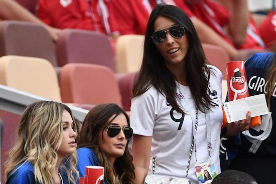 Bóng hồng sexy khó cưỡng trên khán đài World Cup 2018