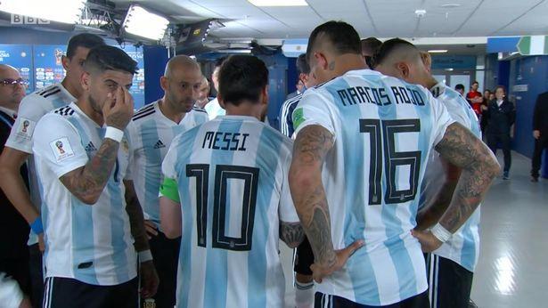 'Đại ca' Messi lấn quyền HLV, truyền lửa cầu thủ Argentina