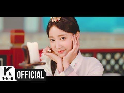 Nhóm nhạc Hàn gây chú ý vì đội nón lá, mặc áo dài Việt Nam trong MV mới