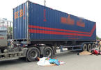 Hai vợ chồng bị xe container cán chết trên đường thăm con gái