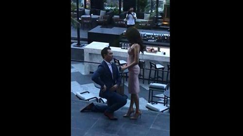 Lan Khuê bật khóc khi được bạn trai đại gia cầu hôn