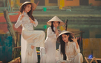 Nhóm nhạc Hàn gây chú ý vì chọn áo dài, nón lá Việt Nam trong MV mới