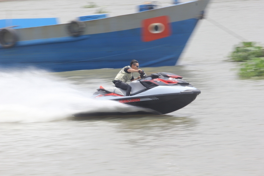 Chơi môtô 'đi mây về gió' tại Sài Gòn