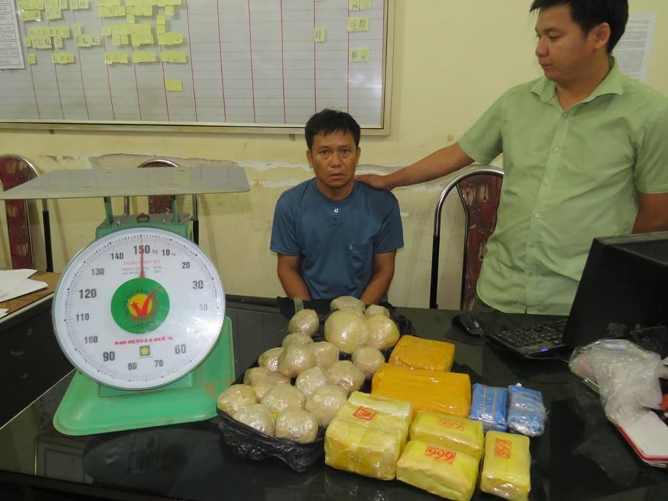 Bắt đối tượng tàng trữ gần 24.000 viên ma túy tổng hợp