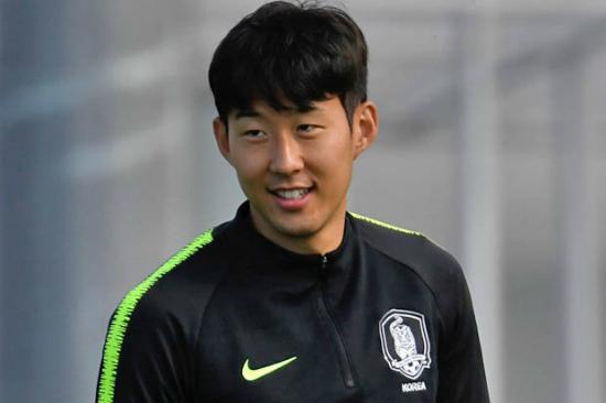 Chân dung hai cầu thủ Hàn Quốc khiến chị em 'lịm tim'