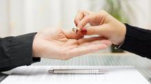 Có điều kiện tốt, vợ được giành quyền nuôi con sau ly hôn