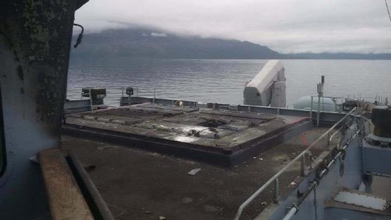 Xem tên lửa nổ cháy xém boong tàu khu trục Đức