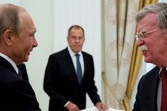 """Cố vấn của ông Trump """"thay đổi 180 độ"""" khi gặp Putin"""