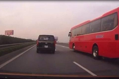 Clip lý giải vì sao xe khách bị gọi là 'hung thần xa lộ'