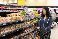 Vay tiền mua sắm, ăn tiêu: Người Việt gánh núi nợ hơn 5 tỷ USD