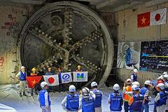 Hầm chui tuyến metro đầu tiên ở Sài Gòn hoàn thành