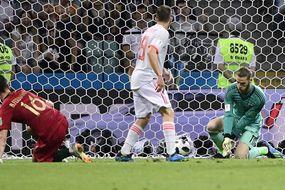 HLV Hierro lên tiếng việc loại De Gea trận gặp Nga