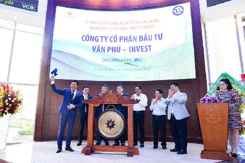 Văn Phú Invest niêm yết trên sàn HOSE