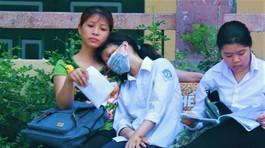 Biết điểm chuẩn vào lớp 10 Hà Nội, phụ huynh bật khóc