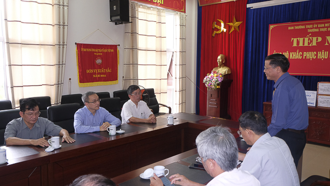 Bộ TT&TT thăm và tặng quà đồng bào Lai Châu bị thiệt hại do lũ, sạt lở đất