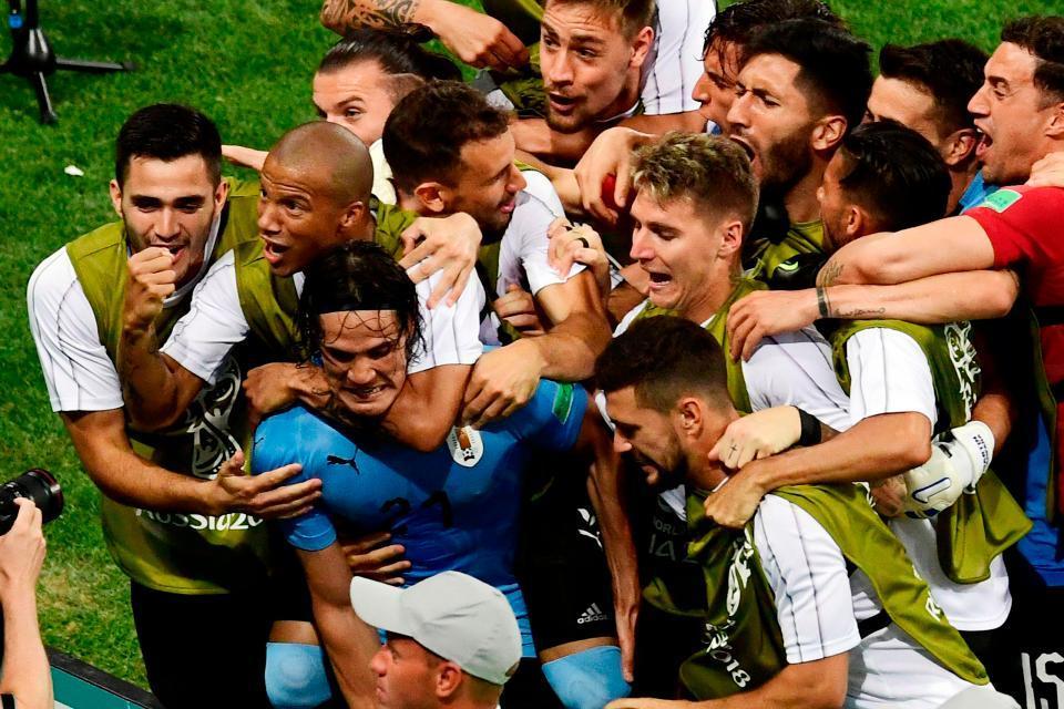 Ronaldo lực bất tòng tâm, chẳng thể 'cõng' Bồ Đào Nha đi tiếp
