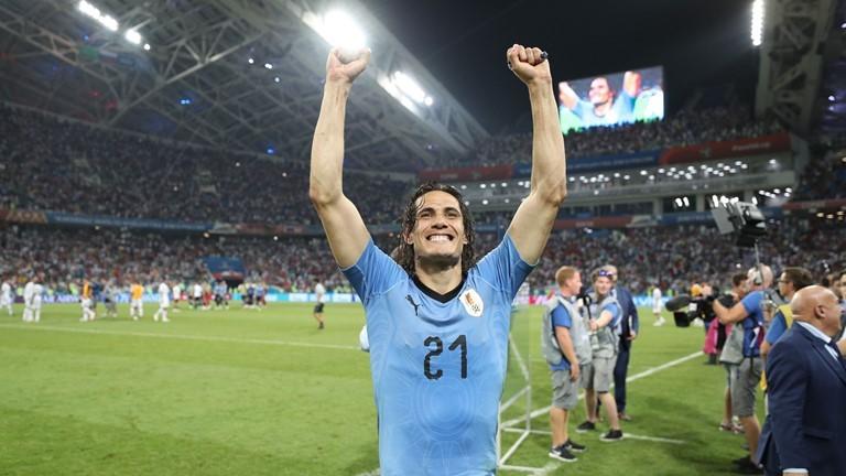 Uruguay nín thở với chấn thương của 'người hùng' Cavani