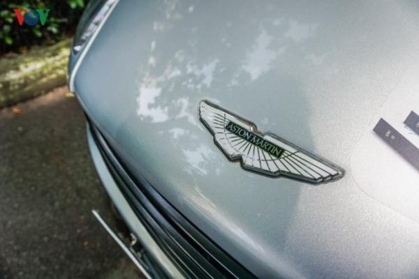 """Aston Martin Vanquish biển """"khủng"""" của đại gia cafe Trung Nguyên"""