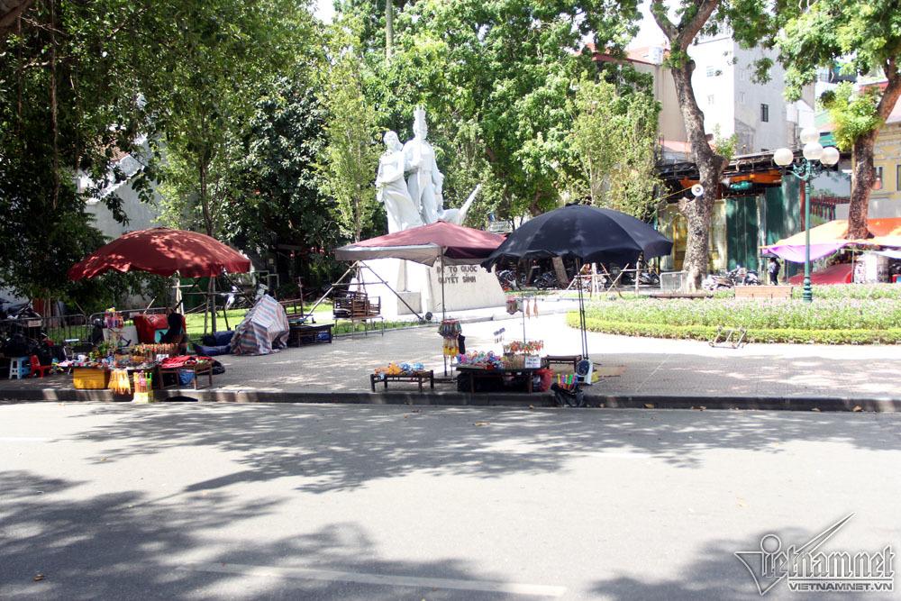 Nắng nóng 40 độ, Hồ Gươm 'vắng như chùa Bà Đanh'