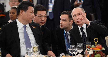 Nga–Trung sát cánh, Mỹ mắc kẹt trong thế trận cờ vây