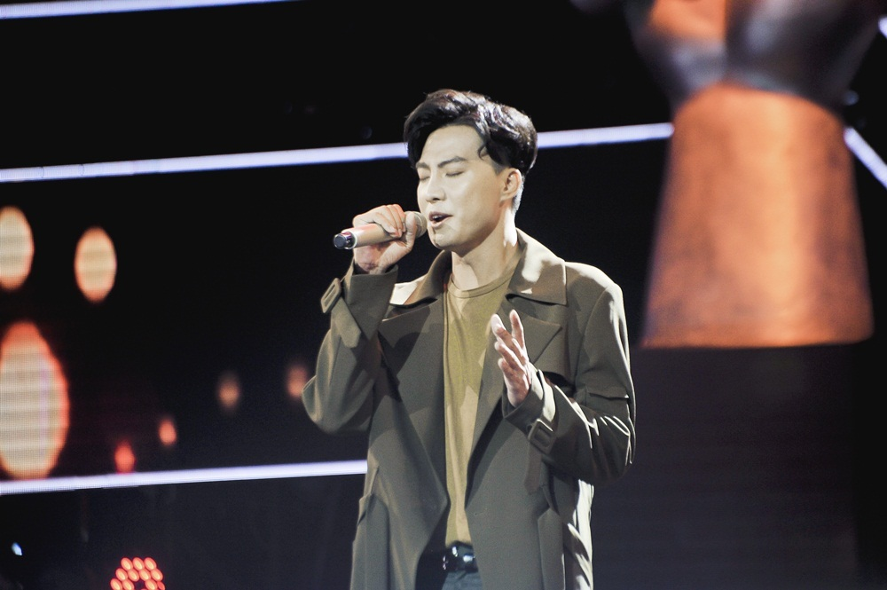 Hát hit Sơn Tùng, chàng trai Campuchia được khen ngợi hết lời