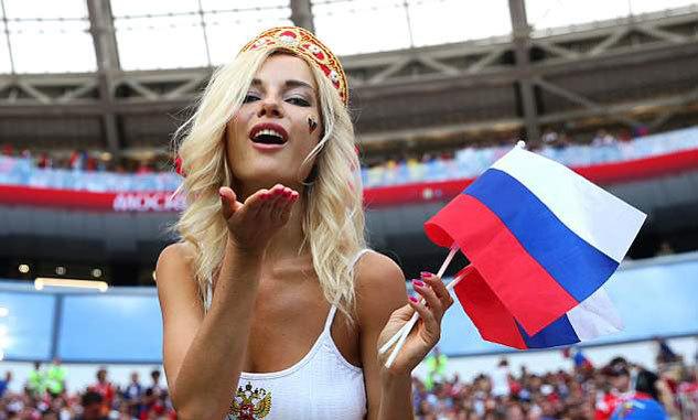 Nga tưng bừng mở hội sau chiến thắng lịch sử