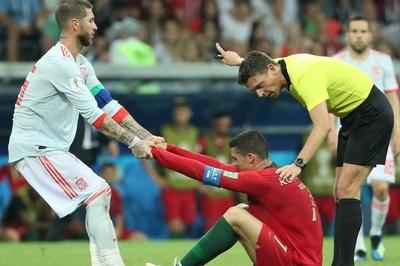 Ronaldo đón Sergio Ramos nhập hội thua: Lời nguyền là có thật!