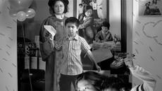 """Mẹ đơn thân Đài Loan chụp """"ảnh lồng ảnh"""" cùng con trai gây sốt mạng xã hội"""