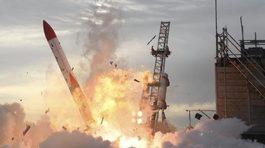 Tên lửa Nhật nổ tung ngay sau khi phóng