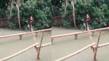 Cô gái đi xe đạp qua cầu siêu nhỏ gây sốt mạng xã hội