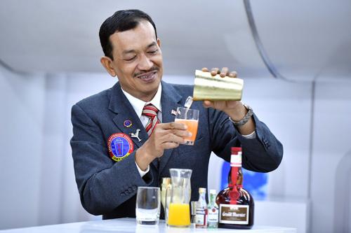 Bay Vietnam Airlines, thưởng thức cocktail hồn Việt