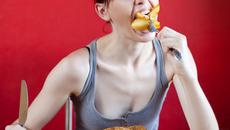 Người gầy nên ăn gì để tăng cân an toàn?