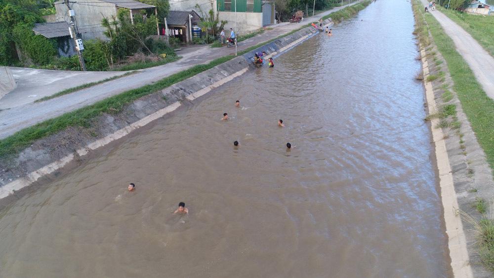 bãi tắm,nắng nóng,Hà Nội