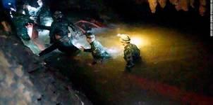 Các bước chi tiết đưa đội bóng Thái khỏi hang ngập nước