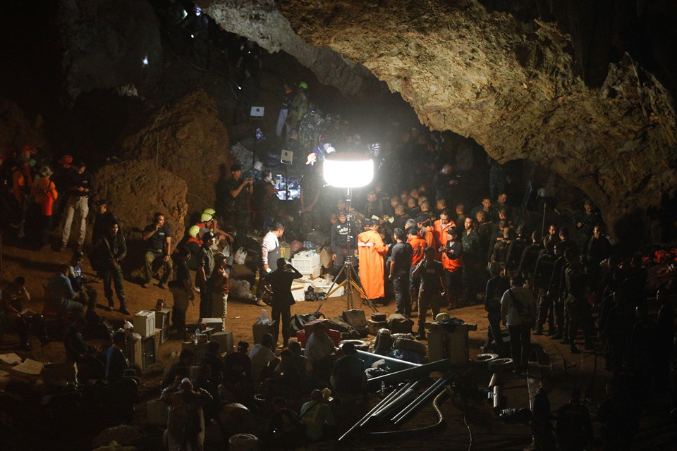 Bên trong hang Tham Luang, nơi đội bóng Thái Lan mắc kẹt 10 ngày