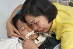 Cái gật đầu trên giường bệnh và câu nói cuối cùng của bé gái hiến giác mạc khi qua đời
