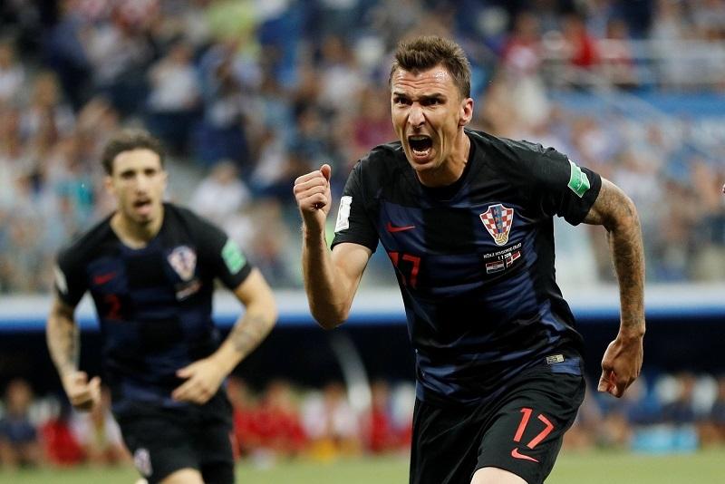 MU lấy sao World Cup của Croatia, Ronaldo ký 4 năm Juventus