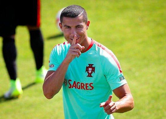 MU thưởng nóng Lingard, Ronaldo cam kết Juventus