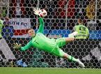 Người Anh sửng sốt với pha bắt penalty ngoạn mục của Pickford