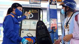 Giá xăng tăng liên tục: Gánh nặng trước mắt, nguy cơ khó lường