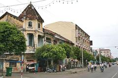 Đại gia nước mắm Phan Thiết mua cả con phố xây lãnh địa riêng
