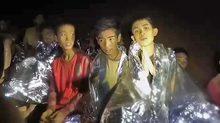 Hình ảnh mới nhất về đội bóng Thái Lan trong hang