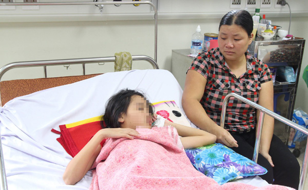 Hàng loạt trẻ mắc viêm não bị liệt tứ chi do cha mẹ quên làm điều đơn giản cho con