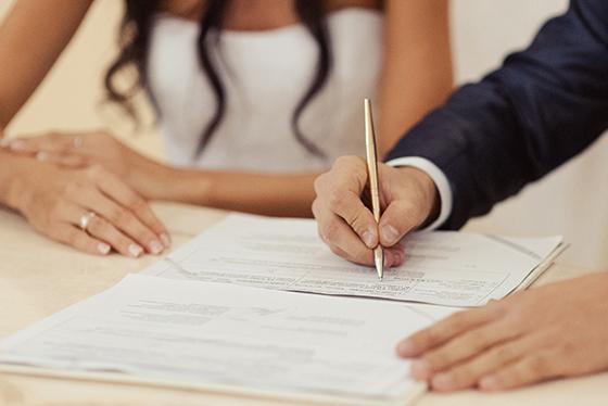 Kết quả hình ảnh cho Chồng ký hiệu DL vợ hộ khẩu và kết hôn TP HCM làm thẻ 3 năm