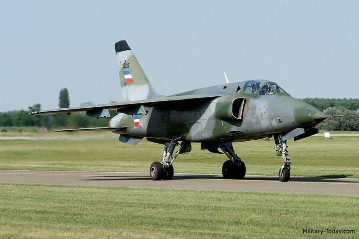 """Sức mạnh chiến cơ """"Đại bàng"""" Soko J-22 Orao"""