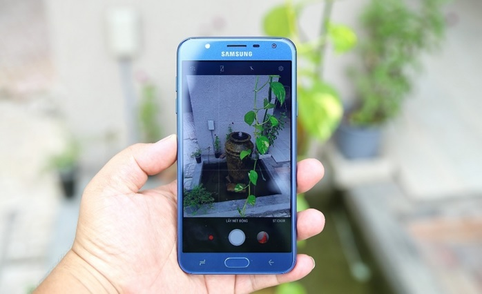 Galaxy J7 Duo: Điện thoại camera kép xóa phông giá 5 triệu