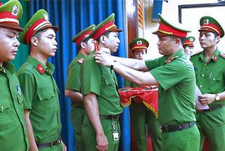 TP.HCM: Hơn 100 cảnh sát hình sự được thăng quân hàm